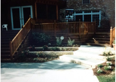 Deck Design With Additional Landscaping